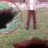 Radio na svojoj farmi a onda pogledao u pod! Pogledao je u rupu i onda se zaprepastio…