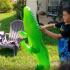 Snimala je sina kako se igra u dvorištu: Shvatila je onda da nisu bili sami u dvorištu i nastala je prava drama