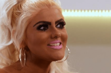 Stavljala je na sebe tonu šminke da bi izgledala kao Barbie: Nakon toga joj je stilista pripremio transformaciju koja će vas sigurno oduševiti